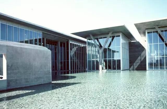 沃夫兹堡现代美术馆