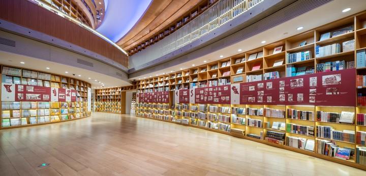 """06""""上海市保护建筑中的红色印记""""展览现场"""